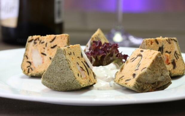 Exquisito menú para 2: Atún rojo o Codillo braseado, Pastel de Foie de rape y cigalas, Zamburiñas...