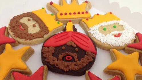 Deliciosa Caja Con 11 Galletas Artesanas De Reyes Magos