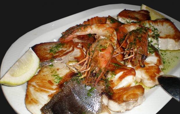 Parrillada de pescado y marisco para 2