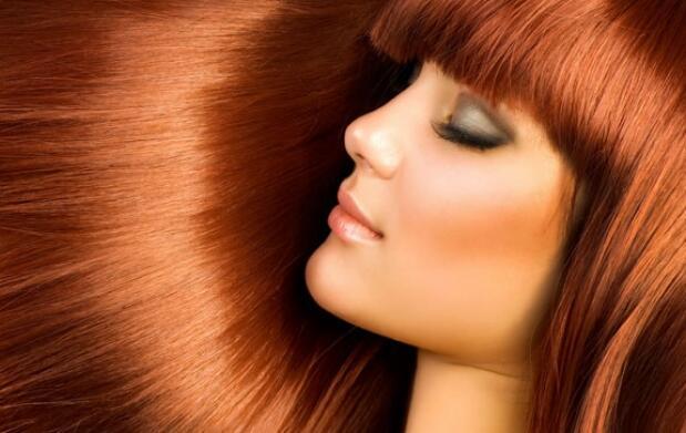 Coloración con queratina y peinado