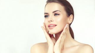Tratamiento facial con microdermoabrasión y masaje facial