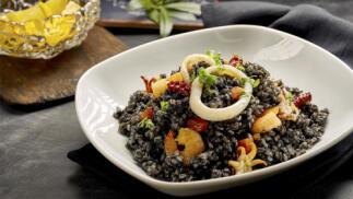 Menú Primavera: carpaccio, pastel de cabracho, arroz negro o jarrete y mucho más