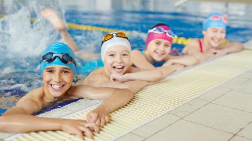 Clases de natación para niños y niñas de 3 a 14 años
