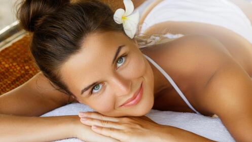 Radiofrecuencia facial, ácido hialurónico o toxina botulínica, peeling, mascarilla, masaje y más.