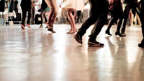 Clases de bailes latinos o danza oriental