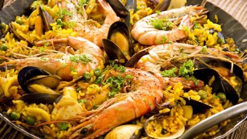 Excelente menú: Arroz marinero, langostinos crujientes, croquetas de marisco