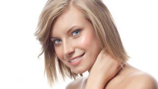 Tratamiento facial de crema de yogur y miel, con peeling mascarilla y masaje en cara, cuello y escote.