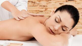 Masaje relajante de espalda u opción más piernas
