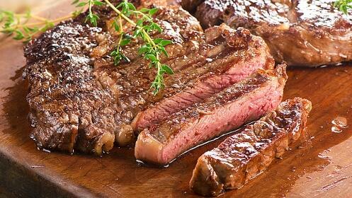 Fantástico menú Buffet con Lomo de Vaca o Bacalao a la Brasa
