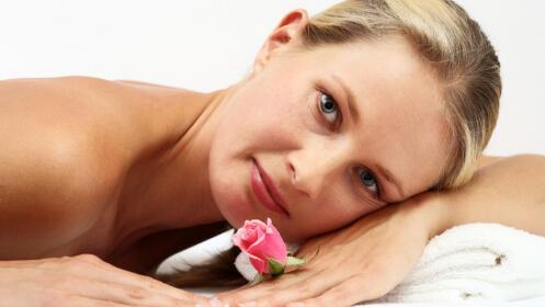 Completo tratamiento corporal: peeling, masaje, tratamiento con cuencos tibetanos. Opción a tratamiento facial: peeling y masaje