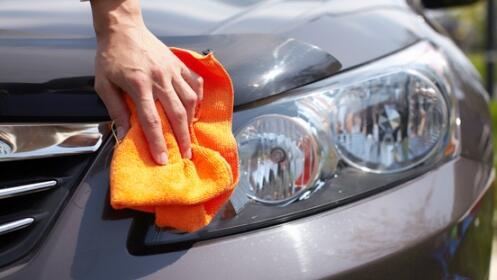 Limpieza de coche a mano con desinfección de Ozono. Opción limpieza de tapicería.