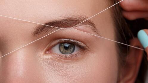 Depilación con hilo labio superior y cejas con opción maquillaje