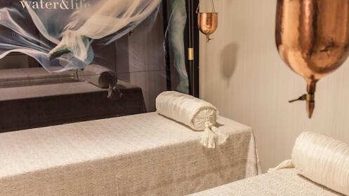 Tratamiento facial o corporal reparador con alta cosmética en Nagari Health & Spa