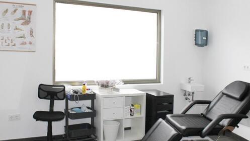 Completa sesión de podología con opción a estudio de la pisada