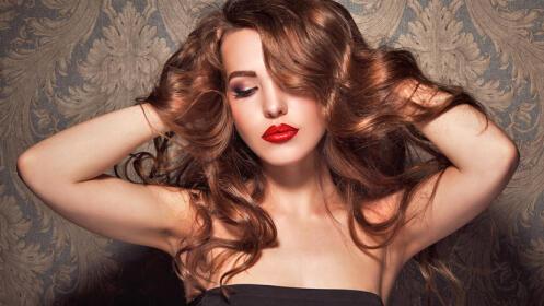 Sesión de peluquería, opción corte y color, incluye masaje craneal