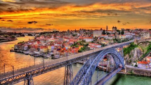 2 noches exclusivas en un 4 estrellas con spa, crucero y visitas en Oporto.