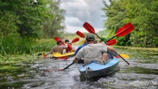 Aventura en kayak por el río Ladra. Opción a realizar tiro con arco