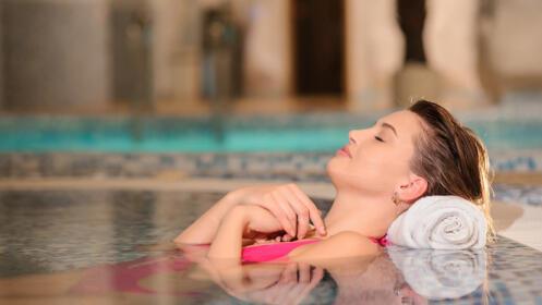 Acceso a Spa, masaje facial, manicura y pedicura spa