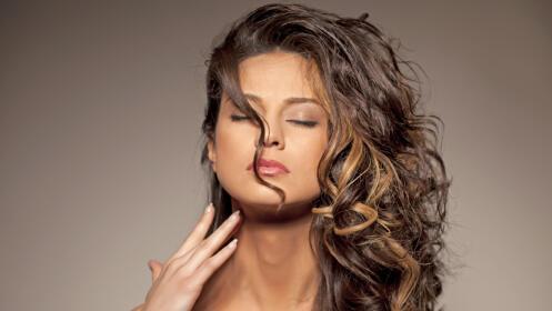 Sesión de peluquería con opción a corte, color y bótox capilar
