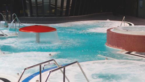 Masaje completo con crema hidratante + acceso Talaso