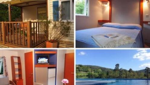 Escapada en un entorno natural nico modernos bungalows for Camping en leon con bungalows y piscina